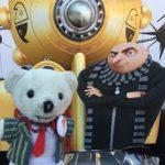 Raimundo Hollywood con su villano favorito