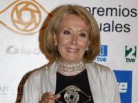Rosa Mª Mateo con el Premio Toda una Vida de 2008.