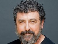 El actor Paco Tous, Premio Especial a la Contribución Artística en la Ficción Televisiva del Festival MiM Series